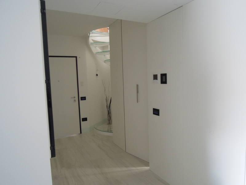 Arredamenti riva appartamento 13 for Bossi arredamenti saronno